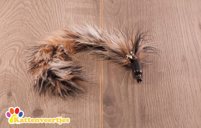 tails kattenspeeltje voor aan een kattenhengel zoals crazy hunter of flexi hunter