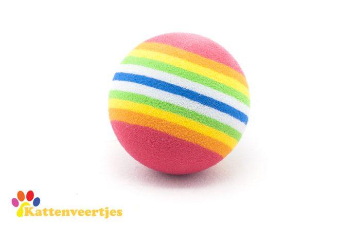 Katten speelgoedballetjes regenboog