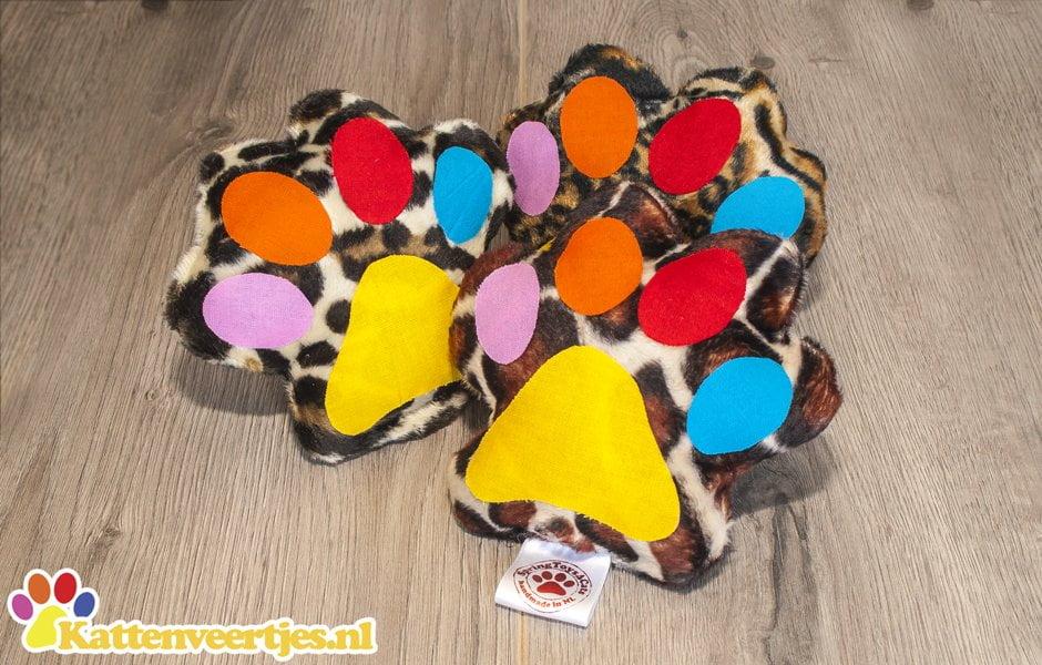 Crazy kicker giraffe trappelkussentjes