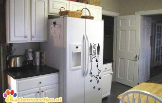 kat_help_koelkast-sticker_groot